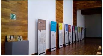 El Monasterio de San Juan de la Peña acoge dos exposiciones relacionadas con la memoria democrática como parte del convenio de colaboración entre Turismo de Aragón y ARMHA
